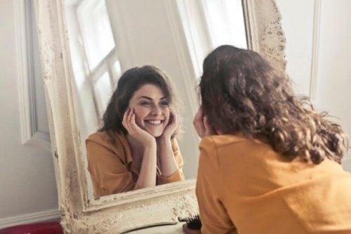 美白を目指す洗顔料、あなたはどっち派?タイプ別の特徴と選び方