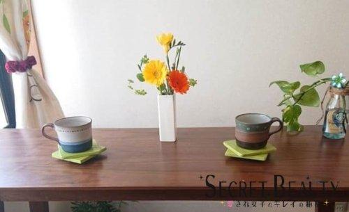 お花のあるテーブル