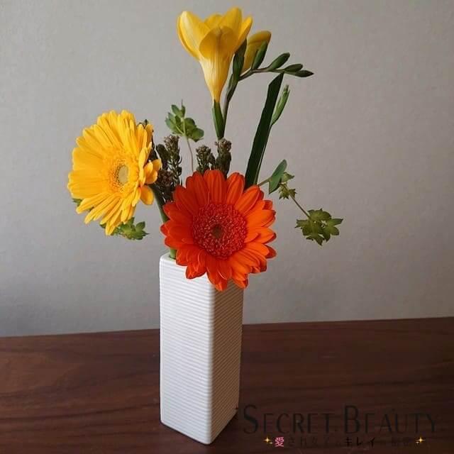 ブルーミーライフを花瓶に生けた画像